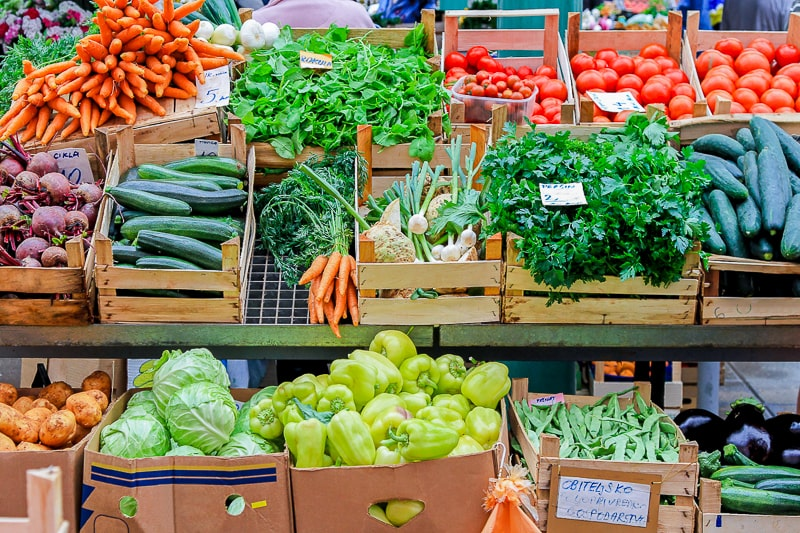 Fresh vegetables without plastic in boxes